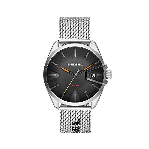 Diesel Herren Analog Quarz Uhr mit Edelstahl Armband DZ1897