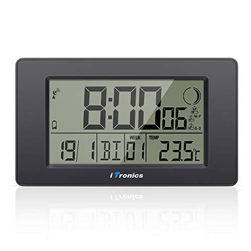 iTronics Digitale Funkwanduhr Tischuhr mit Temperaturanzeige & Countdown-Timer,...